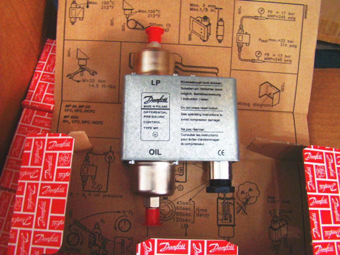 Refrigeration controls Oil Differential Pressure Control MP Series MP54 MP55  series CE 230 V or 115 V a. C. Or d. C.